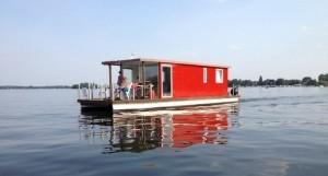 flotte-hausboot-rot-